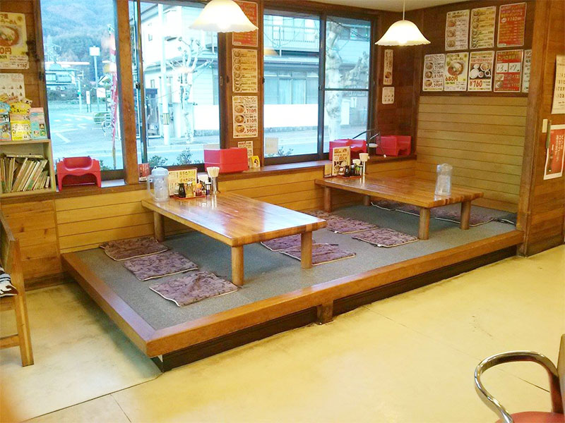 塚原店内3